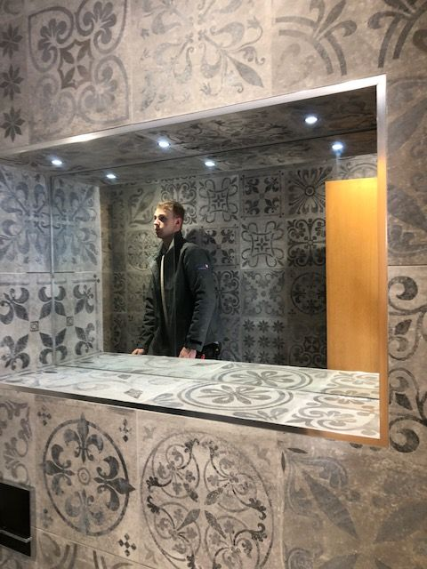 SMITH TILE & STONE - LUXURY BESPOKE BATHROOMS AND WETROOMS
